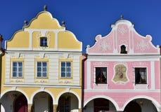 Kleurrijke huizen in stad Telc, Tsjechische republiek Royalty-vrije Stock Afbeeldingen