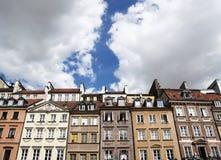 Kleurrijke huizen in Warshau (Polen) stock foto's