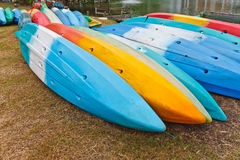Kleurrijke kajaks Stock Fotografie
