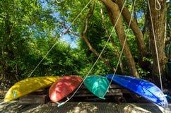 Kleurrijke Kajaks Royalty-vrije Stock Afbeeldingen