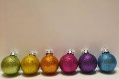 Kleurrijke Kerstmisballen Stock Foto