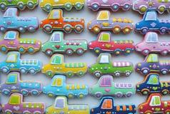 Kleurrijke Kerstmismengeling van Honey Cookies, gevormde auto Royalty-vrije Stock Foto's