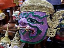 Kleurrijke Khon-maskers bij een OTOP-markt Stock Foto