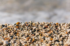 Kleurrijke kleine strandkiezelstenen Stock Foto's