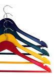 Kleurrijke kleren-hangers Royalty-vrije Stock Foto's