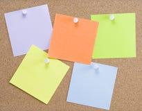 Kleurrijke kleverige nota's stock foto