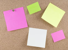 Kleurrijke kleverige nota's stock fotografie