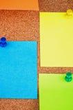 Kleurrijke kleverige nota's? leeg en klaar voor exemplaar royalty-vrije stock afbeeldingen