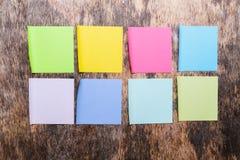 Kleurrijke kleverige nota's? leeg en klaar voor exemplaar Royalty-vrije Stock Fotografie