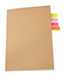 Kleurrijke Kleverige Nota's van de notitieboekje de Lege Dekking binnen. Stock Afbeelding