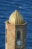 Kleurrijke klokketoren in Italië stock fotografie