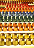 Kleurrijke koffiecapsules Stock Afbeeldingen