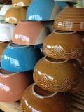Kleurrijke kommen Stock Foto's
