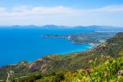Kleurrijke kustlijn in Sardinige Royalty-vrije Stock Afbeelding