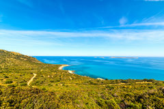 Kleurrijke kustlijn in Sardinige Stock Foto