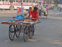 Kleurrijke lading in beweging in Ahmedabad Stock Foto