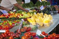 Kleurrijke Landbouwersmarkt Royalty-vrije Stock Afbeeldingen