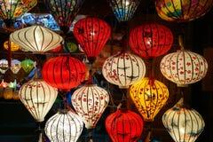 Kleurrijke lantaarns bij nacht in markt in Hoi Vietnam royalty-vrije stock foto