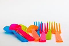 Kleurrijke lepels en vorken Stock Afbeelding