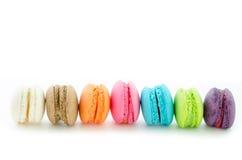 Kleurrijke macarons op witte achtergrond Royalty-vrije Stock Afbeelding