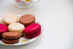 Kleurrijke makaron van het snoepjes de Franse dessert Royalty-vrije Stock Foto's