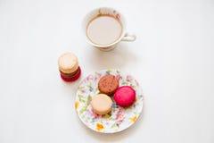 Kleurrijke makaron van het snoepjes de Franse dessert Stock Foto