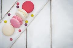 Kleurrijke makarons, Zoet en smakelijk voor het koken en restaurant m stock fotografie
