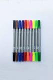 Kleurrijke markeerstiften Stock Foto's
