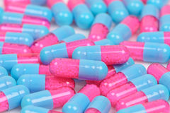 Kleurrijke medische pillen royalty-vrije stock foto's