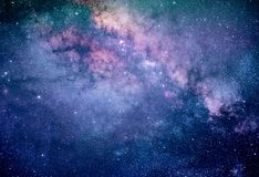 Kleurrijke Melkachtige maniermelkweg met sterren en ruimtestof in het heelal royalty-vrije stock foto