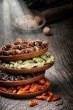Kleurrijke mengeling van kruiden Stock Foto's