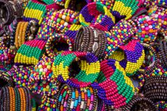 Kleurrijke met de hand gemaakte Kacher-churi in een markt van Bangla Pohela Baishakh Stock Foto's