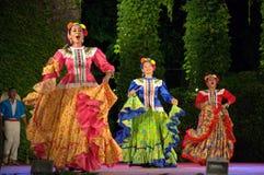 Kleurrijke Mexicaanse vrouwelijke dansers Stock Afbeelding