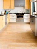 Kleurrijke moderne keuken - verticaal Royalty-vrije Stock Afbeeldingen