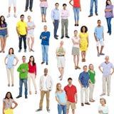 Kleurrijke Multi Etnische Verbonden Mensen Status Stock Afbeeldingen