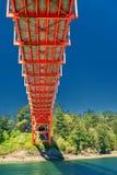 Kleurrijke onderkant van Regenboogbrug dichtbij La Conner stock foto's