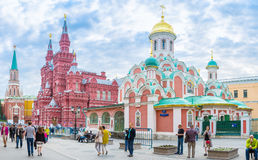 Kleurrijke orthodoxe kerk in Moskou Royalty-vrije Stock Fotografie