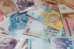 Kleurrijke oude het bankbiljetachtergrond van het Wereldpapiergeld Royalty-vrije Stock Foto's