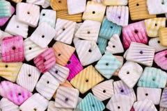 Kleurrijke overzeese shells halsband stock fotografie