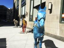 Kleurrijke paardbeeldhouwwerken in Chicago Illinois stock afbeelding