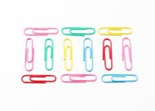 Kleurrijke paperclippen Stock Afbeeldingen