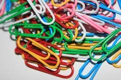 Kleurrijke paperclips Stock Afbeelding