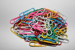 Kleurrijke paperclips Stock Fotografie