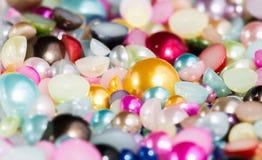 Kleurrijke parelparels stock foto's