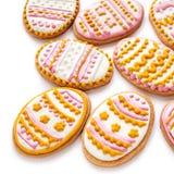 Kleurrijke Pasen-koekjes in de vorm van ei Stock Afbeelding