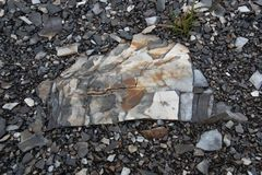 Kleurrijke phyllite rots royalty-vrije stock foto's