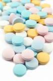Kleurrijke pillen en drugs Stock Afbeeldingen