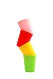 Kleurrijke plastic mokken Stock Afbeelding