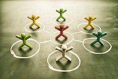Kleurrijke poppen met grungy bord vector illustratie