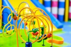 Kleurrijke raadselstuk speelgoed speelplaatskleuterschool learning royalty-vrije stock foto